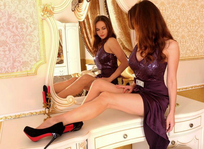 scarpe con suola rossa louboutin